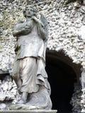 在圣保罗后教会的` Calvarie庭院`在安特卫普,比利时-天使雕象 库存照片