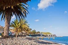 在圣克鲁斯,马德拉岛海岛,葡萄牙靠岸 库存图片