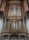 在圣劳伦斯格罗特Kerk教会或伟大的教会里面的两种器官在阿尔克马尔,荷兰 图库摄影