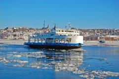 在圣劳伦斯河的轮渡在魁北克市,加拿大 免版税图库摄影