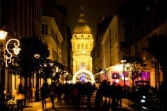 在圣史蒂文大教堂的圣诞灯在布达佩斯,匈牙利 图库摄影