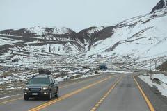 在圣地亚哥和Mendoza之间的国际路 免版税库存图片