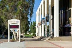 在圣地亚哥状态Universit校园里的表演艺术广场  图库摄影