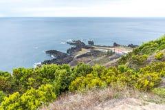 在圣地米格尔海岛上的Ferraria在亚速尔群岛,葡萄牙 免版税图库摄影