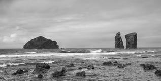 在圣地米格尔的Mosteiros海滩 免版税库存照片