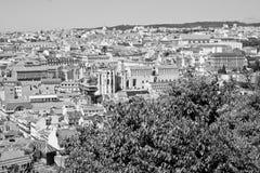 在圣地豪尔赫城堡的里斯本,葡萄牙地平线 库存照片