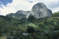 在圣埃斯皮里图, Braz状态的Pedra Azul (蓝宝石)  库存图片