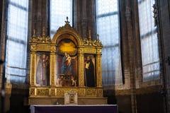 在圣塔玛丽亚gloriosa dei frari的被绘的法坛 图库摄影