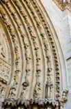 在圣安妮门户的门的被雕刻的曲拱西部fac的 库存照片