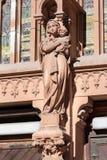 在圣尼古拉斯天主教大教堂门面的雕象在哥特式样式修建的 基辅 免版税库存照片