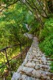 在圣徒Sava水路的一层老楼梯 库存图片