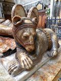 在圣徒warwick的marys教会教堂内部的沃里克郡熊在英国 免版税库存照片