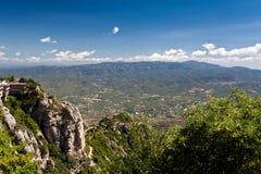 在圣所圣诞老人站点贞女附近的修道院巴塞罗那本尼迪克特的卡塔龙尼亚de hosts玛丽亚・蒙特塞拉特岛山 库存图片