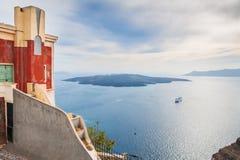 在圣托里尼海岛,希腊上的老建筑学 库存图片