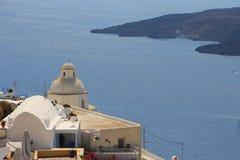 在圣托里尼,希腊海岛上的火山  免版税库存照片