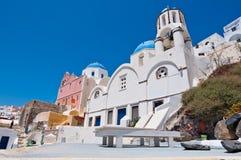 在圣托里尼,希腊海岛上的Cycladic教会  免版税库存图片