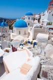 在圣托里尼,希腊海岛上的Oia教会  免版税图库摄影