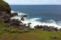 在圣文森特的迎风面的一个遥远的小海湾 免版税库存图片
