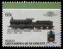 在圣文森特石榴汁糖浆打印的邮票显示船身和巴恩斯利铁路类LS 0-6-0 免版税图库摄影