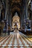 在圣斯蒂芬的大教堂里面在维也纳,奥地利 免版税图库摄影
