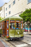 在圣查尔斯街线的路面电车在新奥尔良 库存图片