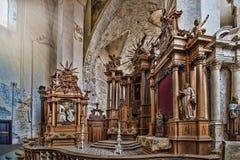 在圣法兰西斯和圣伯纳德教会的主要法坛  免版税图库摄影