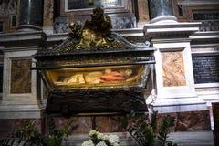 在圣玛丽亚Maggiori大教堂的坟茔在罗马意大利 图库摄影