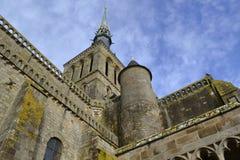 在圣米歇尔海岛上的老教会  库存照片