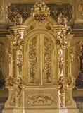 在圣约瑟夫旁边法坛的Trnava - Tabernacla在从19的阴险的人教会里 分 库存图片