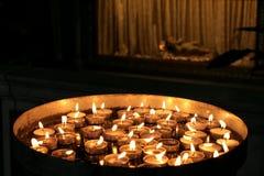 在圣约翰教会的蜡烛 免版税库存图片