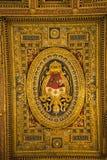 在圣约翰Lateran大教堂的教堂中殿天花板在罗马意大利 免版税库存照片