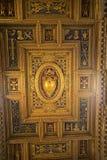 在圣约翰Lateran大教堂的教堂中殿天花板在罗马意大利 库存照片