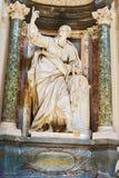 在圣约翰Lateran大教堂的雕塑在罗马,意大利 库存照片