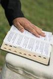 在圣经的现有量 免版税图库摄影