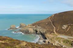 在圣艾格尼丝康沃尔郡英国英国旁边的海滩 库存照片