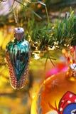 在圣诞树的玩具 新年度装饰 免版税图库摄影