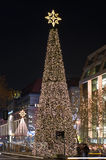 在圣诞灯的街道Kurfurstendam 库存照片