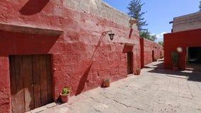 在圣诞老人里面卡塔利娜阿雷基帕秘鲁修道院的路  股票视频