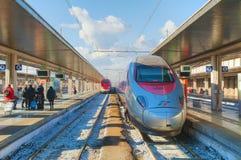 在圣诞老人露西娅驻地的火车在威尼斯 库存图片