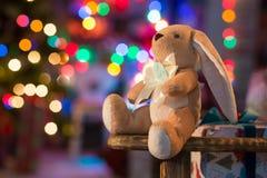 在圣诞节内部的软的玩具 免版税图库摄影