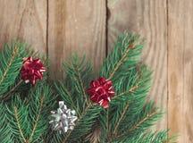 在圣诞节大气的装饰的冷杉木 免版税库存照片