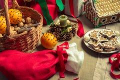 在圣诞节好吃的东西的特写镜头 库存图片