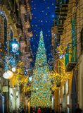 在圣诞节时间,褶皱藻属,意大利,惊人的` Luci d ` Artista `艺术家在萨莱诺点燃 库存图片