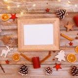 在圣诞节桌上的看法上,与拷贝空间的框架 库存照片