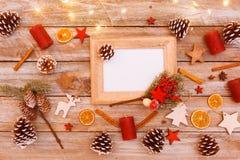 在圣诞节桌上的看法上,与拷贝空间的框架 免版税库存照片