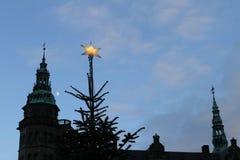 在圣诞节的克伦堡城堡 免版税库存照片