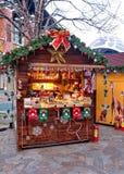 在圣诞节的礼品店 免版税图库摄影
