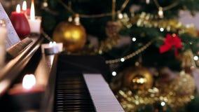 在圣诞节的琴键 股票录像