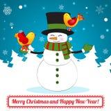 在圣诞节背景的滑稽的动画片雪人。 免版税库存照片