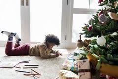 在圣诞节装饰的室哄骗享用彩图 免版税库存照片